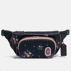 COACH • Court Belt Bag Rose Bouquet